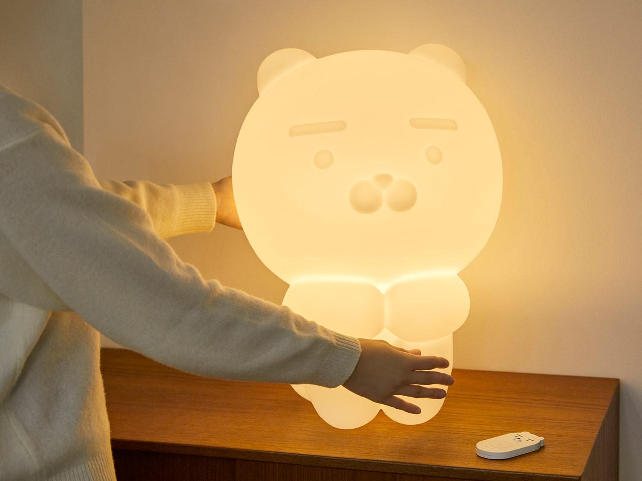 Kakao Friends推出超巨大Ryan夜灯,抱抱它,超级疗愈!